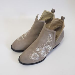 JBU BY JAMBU PARKER Beige Embroidered Booties 8